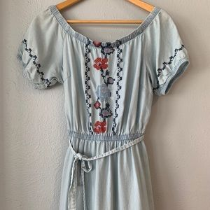 Old Navy Blue Embroidered Dress size XS